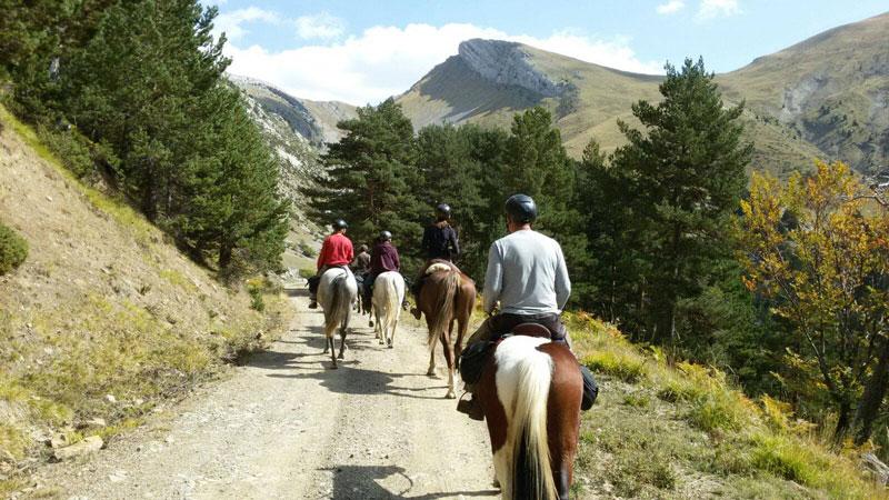 """Otoño en el Pirineo a caballo: ruta """"Break Oxygen"""""""