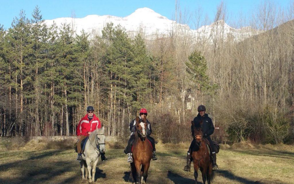 invierno ruta caballo jaca