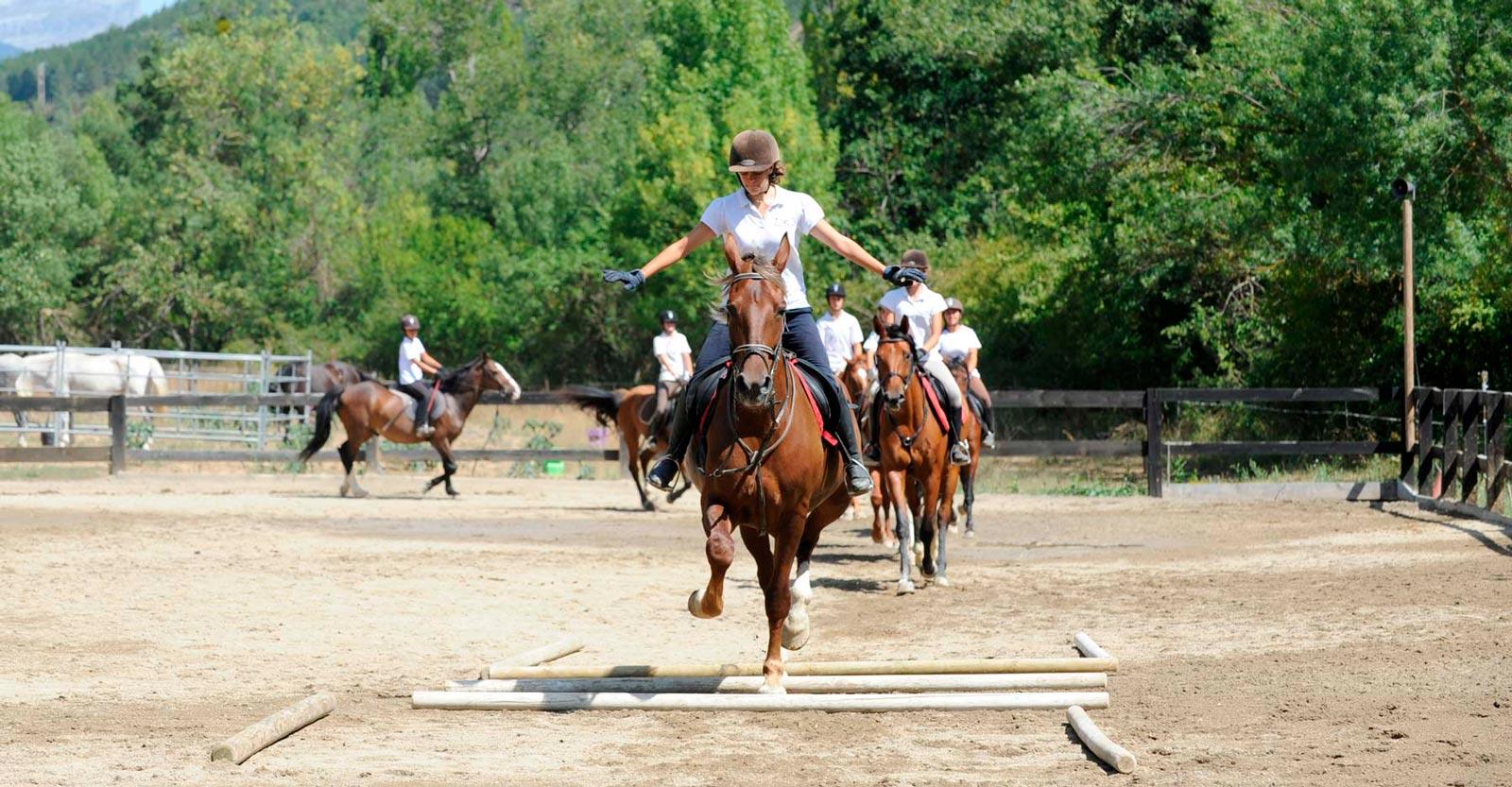 escuela equitacion jaca huesca