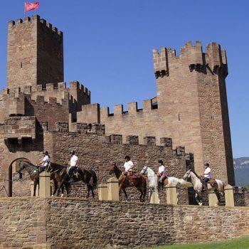 ruta a caballo navarra castillo javier