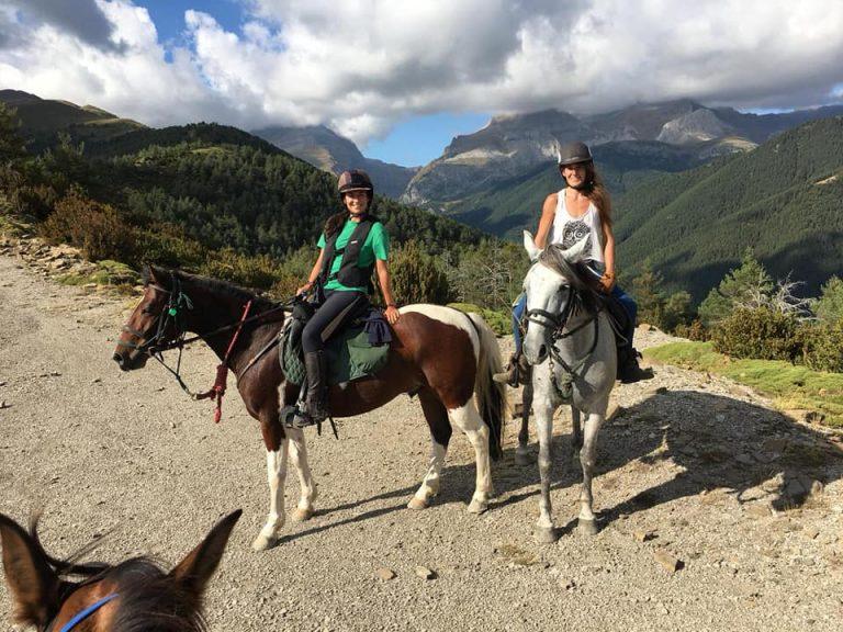 jaca rutas y paseos a caballo