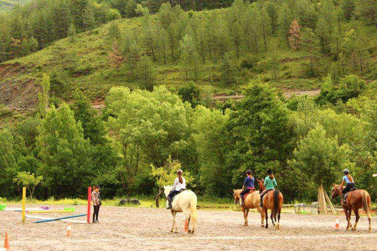 clases extraescolares de equitacion en jaca